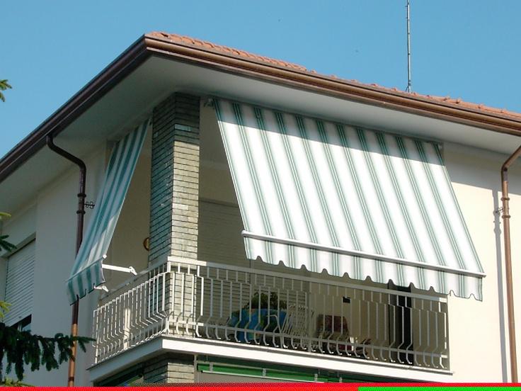 Copertine retractabile cu brate mobile Gibus, model copertine Dim 250 pentru balcon, foto copertina montata la balcon, inclinatie foarte mare. Copertine Gibus de calitate superioara la un pret excelent.