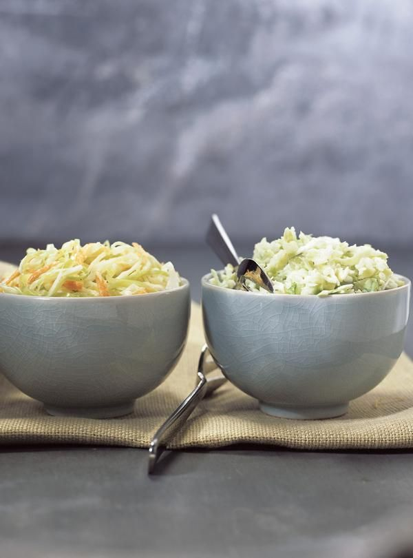 Recette de Ricardo. Une recette de salade de chou crémeuse. Avec du chou, du céleri, de l'oignon, de la mayonnaise. Une recette à réessayer.
