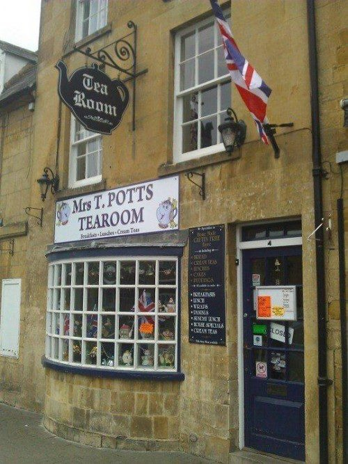 Gastro publar ve kasaba pubları ise ayrıca gezmenizi önerdiğimiz yerler... Daha fazla bilgi ve fotoğraf için; http://www.geziyorum.net/oxfordshire-gloustourshire/