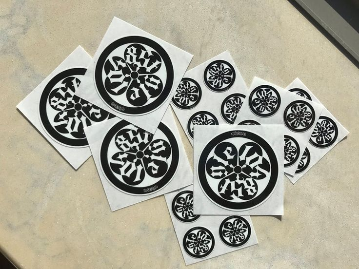 1048Style crest sticker Color: Black Size: 5cm x3 & 2cm x3 (set of 6 sticker ) Price: $15 +$4.00shipping/Handling = US$19.00 送料込: 1,800円 International shipping cost is included. #kamiwazajapan #1048style