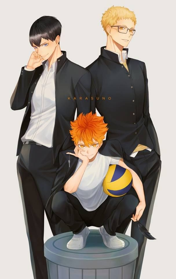 I just realized that Hinata is holding out his middle figure