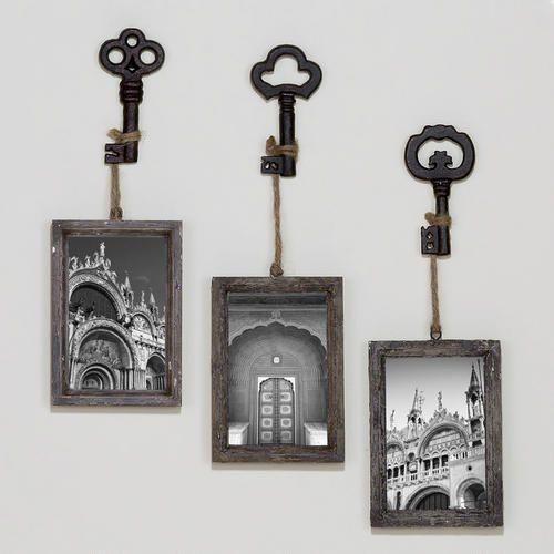 Old keys, frames