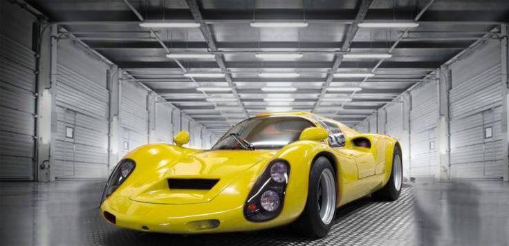オーストラリアの電気自動車会社、Krieselは高性能改造電気自動車の世界では一目置かれる存在だ。完全電動のMercedes G-Classをアーノルド・シュワルツェネッガーと協同で作った同社が、こんどはPorshce 910を改造したEVEX 910eを披露した。完全電動駆動で最高速度300 km/h、0-100 km/h加速2.5秒以下の性能を誇る。