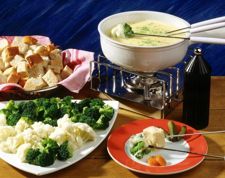 Tomaten-Käse-Fondue | Kalorien: 1030 Kcal - Zeit: 50 Min. | http://eatsmarter.de/rezepte/tomaten-kaese-fondue