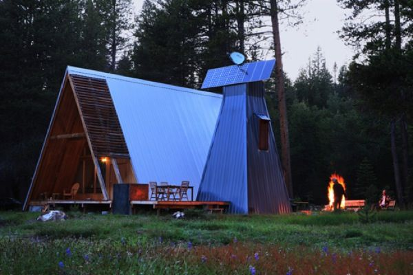 This modern A-frame cabin in Yosemite is absolutely one of my all time favorite homes. I already lov