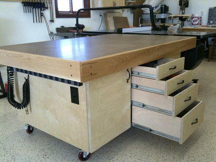 Mobile Shop Assemble Outfeed Table With Nice Storage
