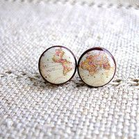 Vintage world map earrings. So cute. If only I wasn't allergic to nickle.