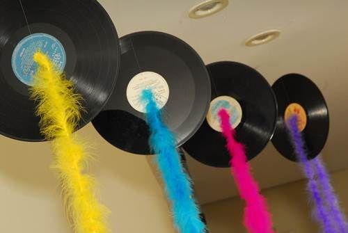 Decoração de festa estilo anos 60