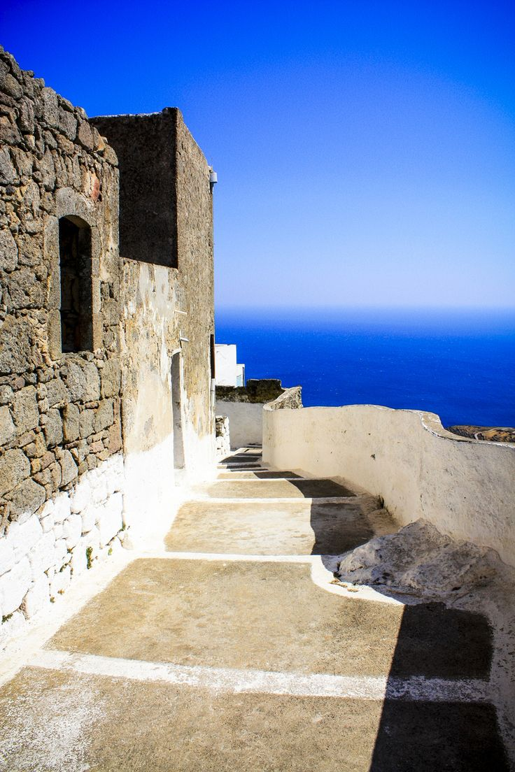 This is my Greece   Greek path on the island of Crete