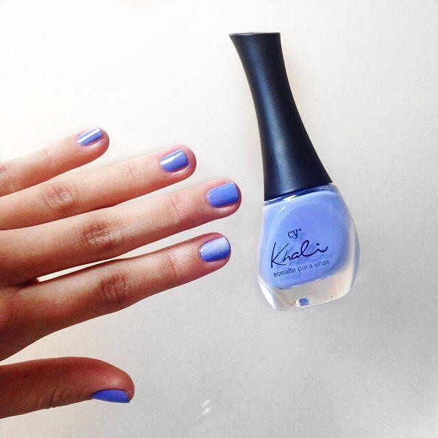 """Y el tono de hoy es """"lavanda"""" de la nueva línea de esmaltes de @cyzone_oficial #nails #pintauñas #beauty"""