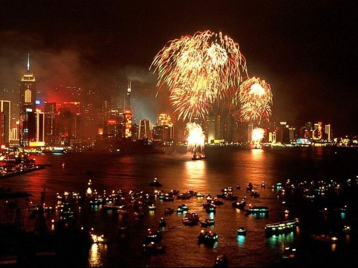 Season's Greetings: Holiday Celebrations Around the World | Gloholiday