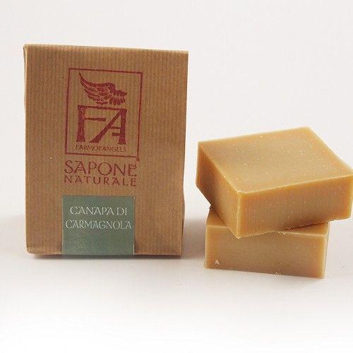 Sapone Naturale alla Canapa di Carmagnola Il sapone naturale alla canapa di Carmagnola, è ricco di acidi grassi omega3 e omega 6. Dona morbidezza e rivitalizza la pelle, protegge dall'invecchiamento. Bella schiuma a bolla fine, lievemente profumata. 80% olio di oliva. 12% canapa di carmagnola Per viso e mani.  http://www.armonieviola.com/store/categoria-benessere/categoria-saponi-naturali/sapone-naturale-alla-canapa-di-carmagnola