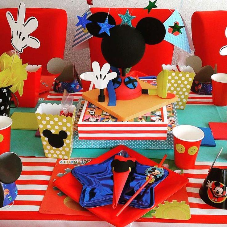 les 114 meilleures images du tableau theme mickey sur pinterest anniversaire mickey. Black Bedroom Furniture Sets. Home Design Ideas