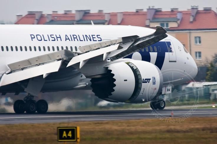 #Boeing 787 #Dreamliner, #Airport #Gdansk; photo: Małgorzata Kraków-Okine