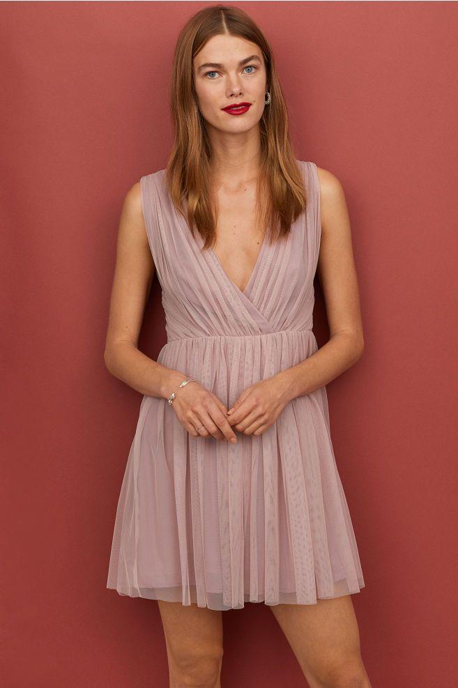 58645befb6 Tiulowa sukienka w serek - Antyczny róż - ONA