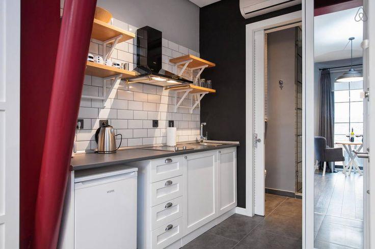 Airbnb'deki bu harika kayda göz atın: Design Loft in Pera 1 - Beyoglu şehrinde Kiralık Apartman daireleri