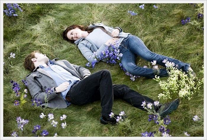 로맨틱한 아름다운 배경화면 사진 모음 멋지고 아름다운 사랑, 하트, 남녀커플 로맨틱한 아름다운 배경화면사진~ 아름다운 사랑관련 사진을 찾으셨다면 구경하세요^^  아름다운 한쌍의 남녀커플 배경사진 아름답죠  커플도 아름답지만 배경도 멋지네요~ 로맨틱한 아름다운 배경화면 사진  즐거운 시간을 보내고 있는 한싼의 남녀커플 배경사진  설레이는 남녀커플의 키스타임~ 로맨틱한 아름다운 배경사진  눈이 내리는 밤 우산..