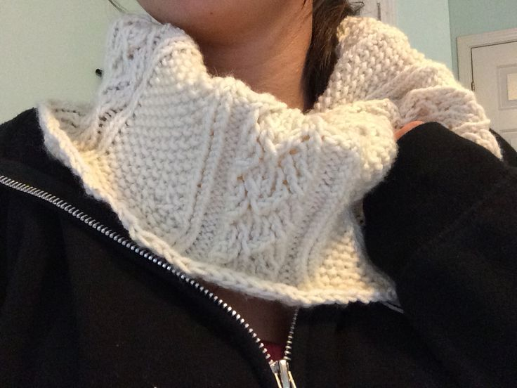 Short lacy cowl for myself
