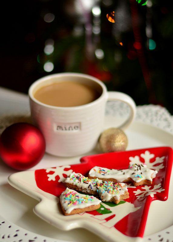Gingerbread Recipe  http://chocolatefashioncoffee.blogspot.ro/2014/12/last-minute-christmas-preparations.html
