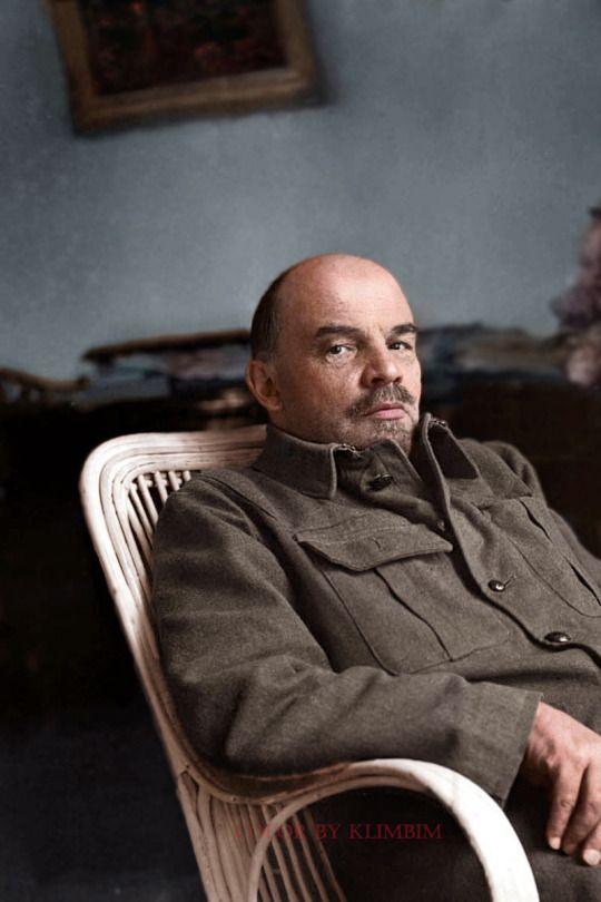 Lenin, pseudonimo di Vladimir Il'ič Ul'janov conosciuto anche come Vladimir Lenin, politico e rivoluzionario russo (1870-1924)