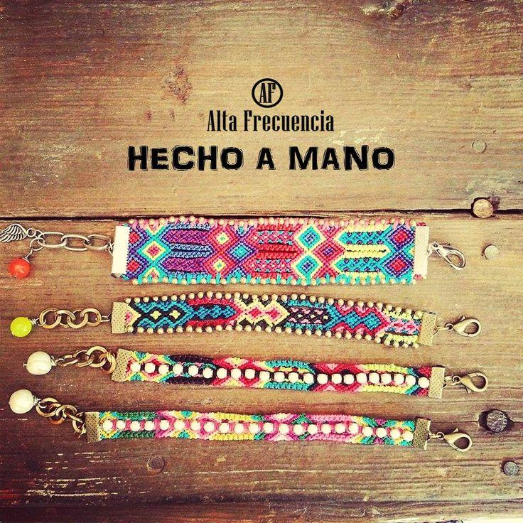 pulsera de la amistad hecha a mano muy fashionista, hecha en Mexico friendship, bracelets,bohemion, etnic, tribal, romantic, boho, hippie, gypsy, by Alta frecuencia Mexico. https://www.facebook.com/pages/Alta-Frecuencia-Hecho-a-Mano/601323909922860