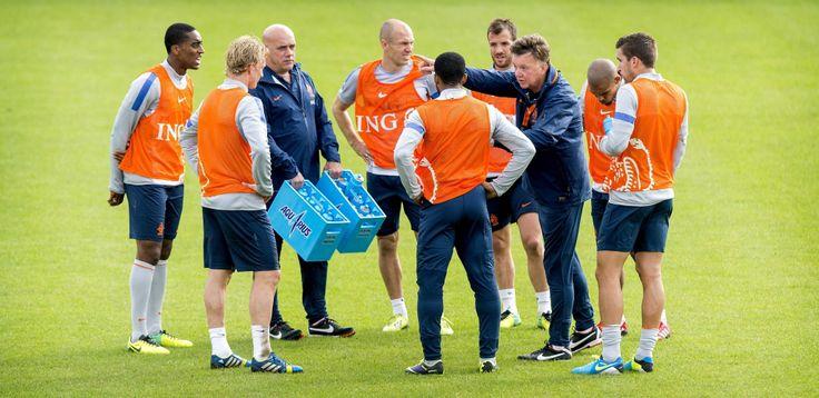 Louis Van Gaal, director técnico de la Selección fútbol de #Holanda. Foto: EFE.
