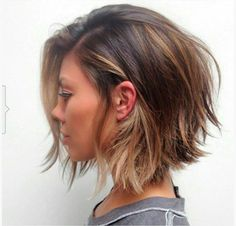 Confira mais de 50 cortes inspiradores de cortes de cabelos curtos. Fotos com cabelos de várias texturas e com mulheres de todos os formatos de rosto.