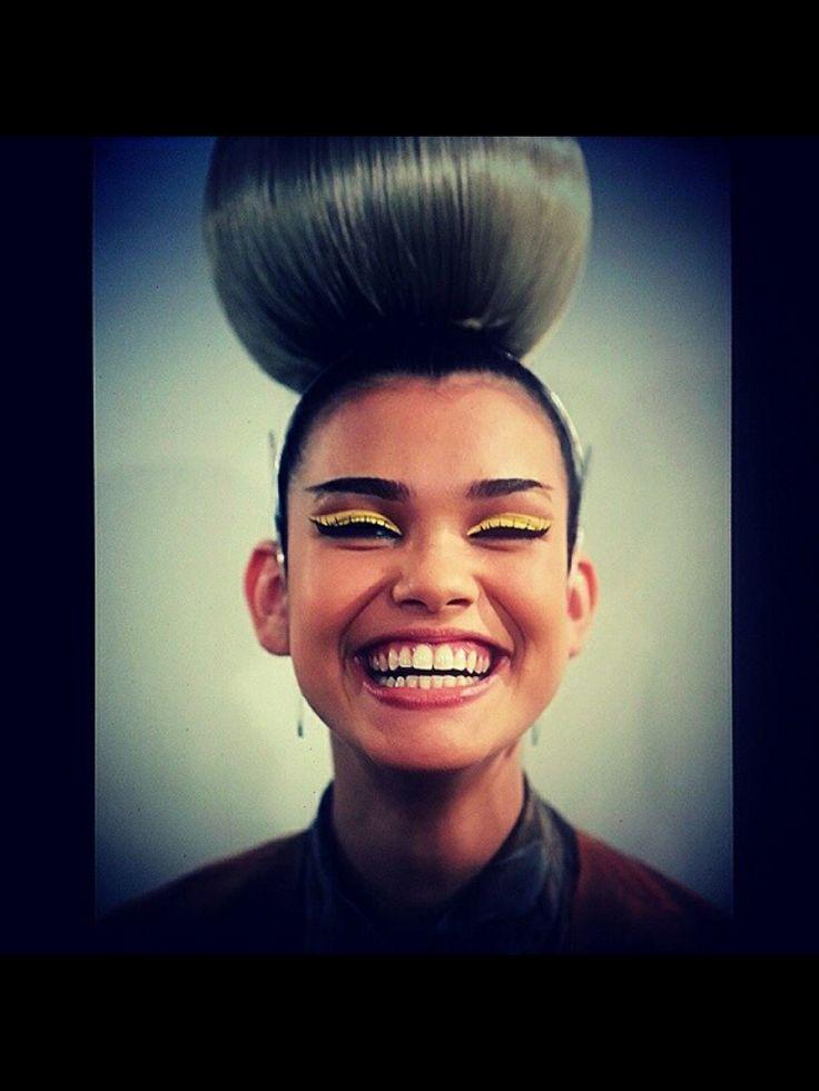 #grote knot #blij #vrolijk #big smile #lach #gele oogschaduw