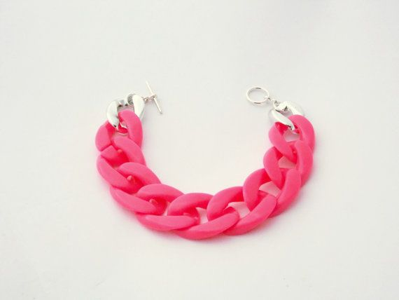 Chunky Neon Pink Acrylic Chain Bracelet by LilRedsBoutique on Etsy, €8.00