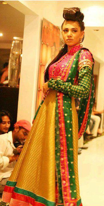 Mehndi Clothes 7