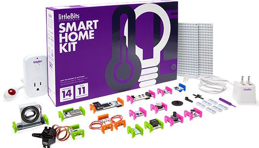 Akıllı ev sistemleri her ne kadar havalı görünse de yüksek fiyatları nedeniyle günümüzde çoğu kişinin ulaşamadığı teknolojilerden biri. Ayrıca bu sistemler kişilere özel değil de insanların geneli baz alınarak tasarlandığı için her kullanıcının farklı ihtiyaçlarına cevap vermekte güçlük çekebiliyorlar. LittleBits tarafından geliştirilen akıllı ev paketi ise kullanıcıların kendi akıllı ev sistemlerini kolayca hazırlamasına olanak tanıyor.