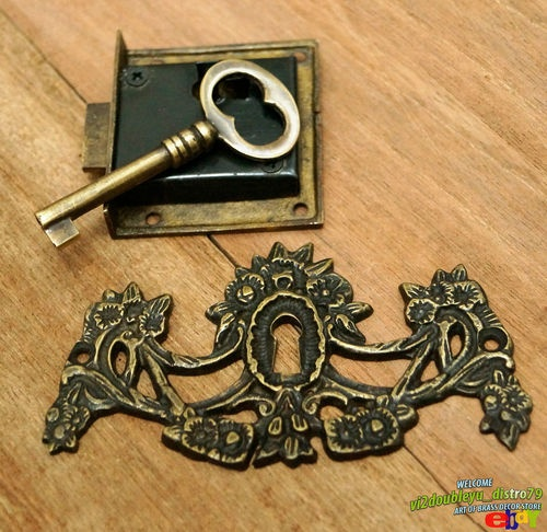 20 best images about keyhole on pinterest antiques for Lock and key decor