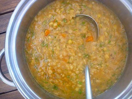 Vegetarian Swedish split pea soup