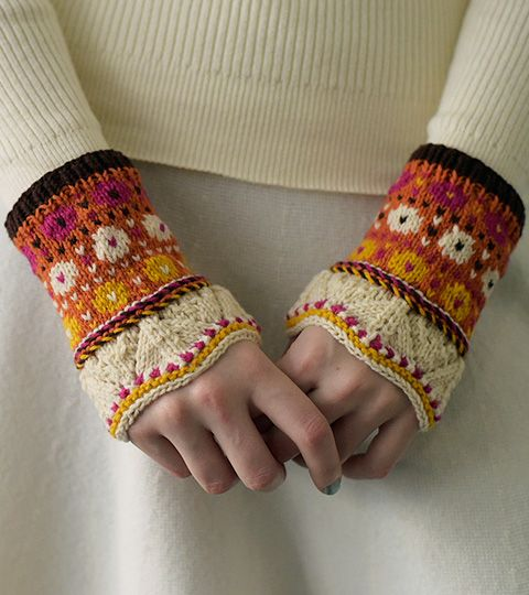 Stranded Wrist Warmers - Keith Dama, No.166 Summer 2015 / 毛糸だま 2015年夏号 No.166 掲載作品ギャラリー 毛糸だまWeb 日本ヴォーグ社の本