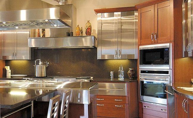 Luxus Küchendesign von Bentwood mit Elementen aus Holz und Marmor