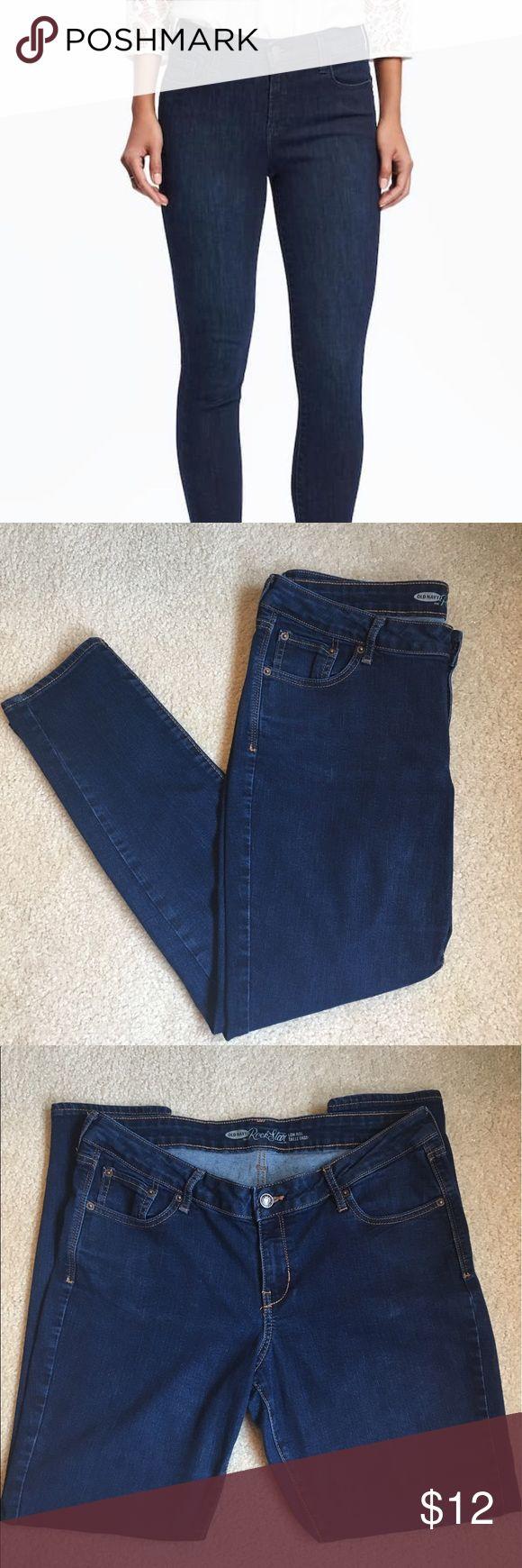 Old Navy Rockstar jeans size 14 EUC rockstar jeans from old navy. Dark wash size 14. Inseam 32 Sits below the waist. Snug through hip and thigh. Narrow leg opening. 32 1/2 waist 43 1/2 hip Old Navy Jeans Straight Leg