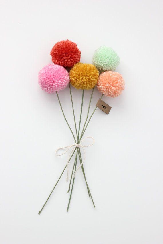 mini yarn pom pom flowers bouquet