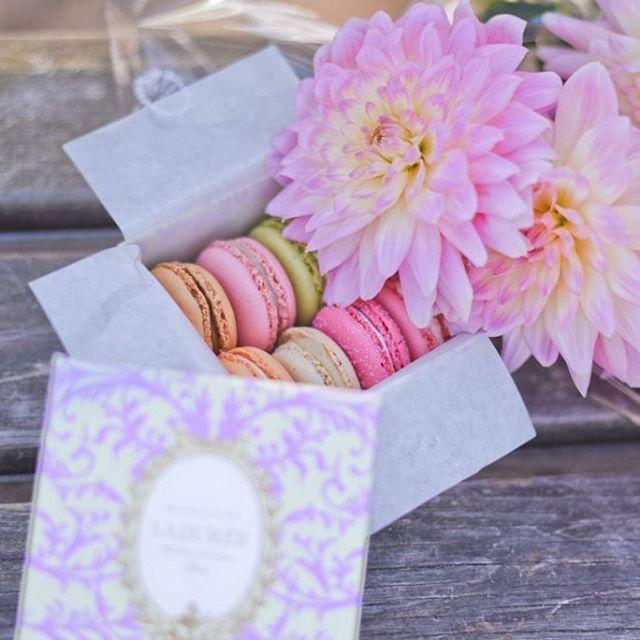 Wishing.... #macarons #dahlias #pink