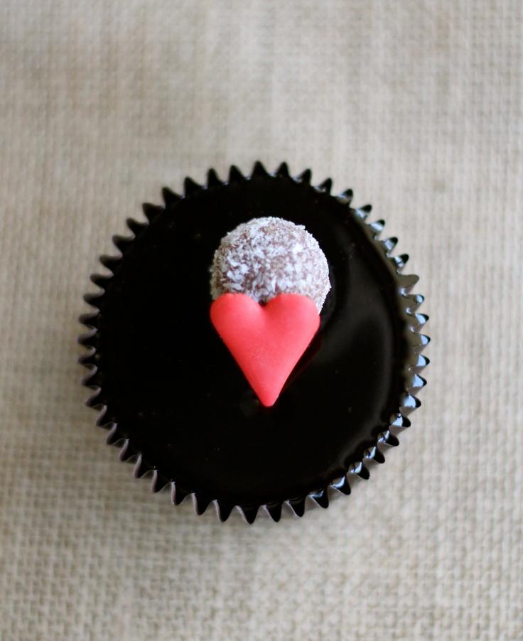 Ghermez Valentine's Day Cupcake