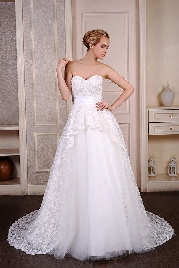 Shop affordable ball-gown sweetheart court train tulle wedding dress with beading appliques lace online. Free Shipping and Custom-made. Pro since 2009.