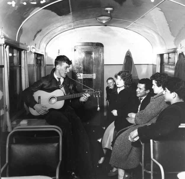 1957: Tube music.   31 Gorgeous Photos Of The London Underground In The '50s And '60s