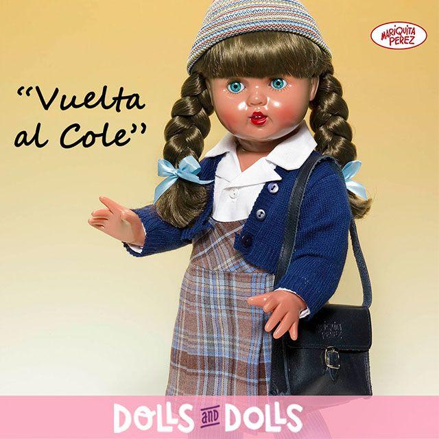¡Mariquita Pérez también va a la #escuela! ✒️🖋️💼🖋️✒️💼 Al más puro estilo de los años 1940/50, #MariquitaPérezEscolar está lista para empezar las clases.  ¿Te has fijado? Lleva su melena recogida con dos trenzas y una cartera de piel para transportar sus libros y cuadernos. #MariquitaPérez siempre nos hace recordar tiempos pasados. #Dolls #Muñecas #Bonecas #Poupées #Bambole #Colección #MuñecaAntigua #MuñecaMariquitaPérez