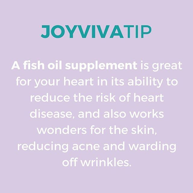Why take a fish oil supplement? You asked, we answered! 🐟 A simple Omega 3 fatty acid supplement boost both health and beauty.