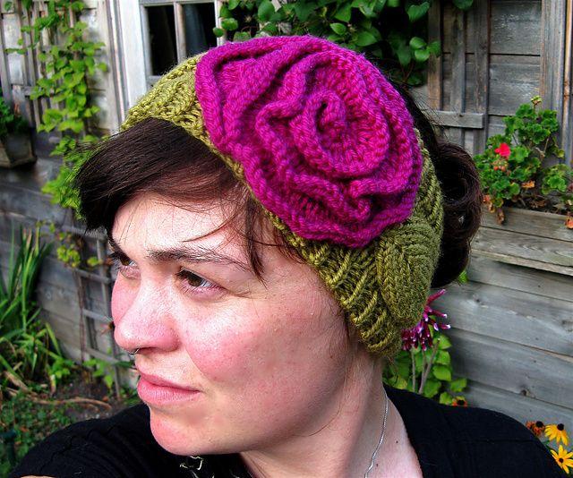 Ravelry: American Beauty Rose Headband pattern by Ashley KearnsFree Pattern, Kearns Crochet, Ash Kearns, Headbands Pattern, Beauty, Ashley Kearns, Rose Headbands, Beautiful Rose, American Beautiful