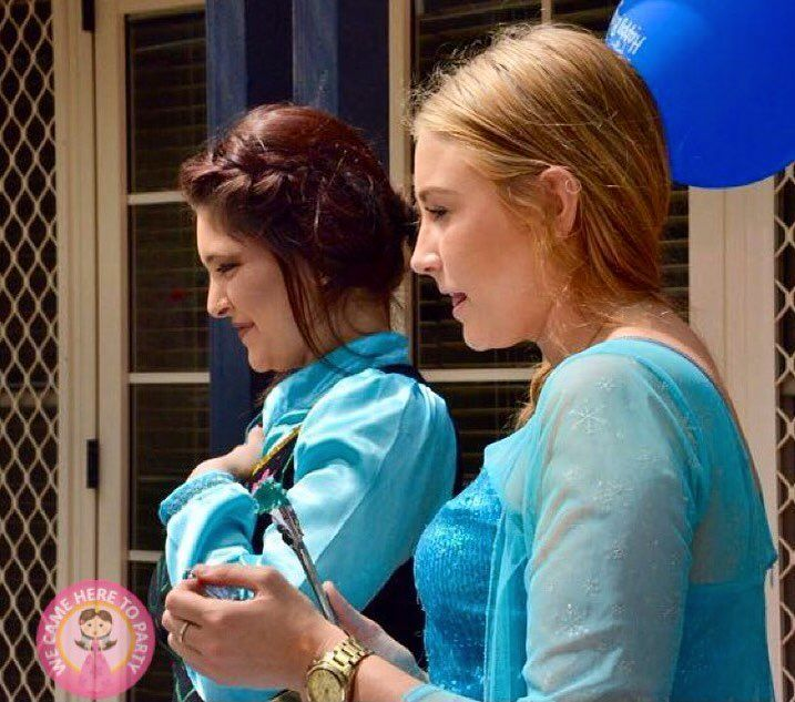 Elsa and Anna hosting a kids Party *Repin to your own inspiration board