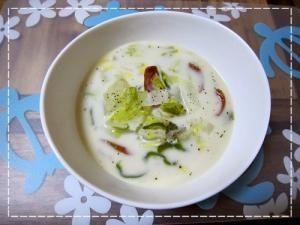 「冬にぴったり!ほっこり豆乳白菜スープ」寒い冬に持って来いのミルキースープ☆牛乳ではなく豆乳を使うのでヘルシー!白菜がありすぎて…という時にもぜひおすすめ!【楽天レシピ】