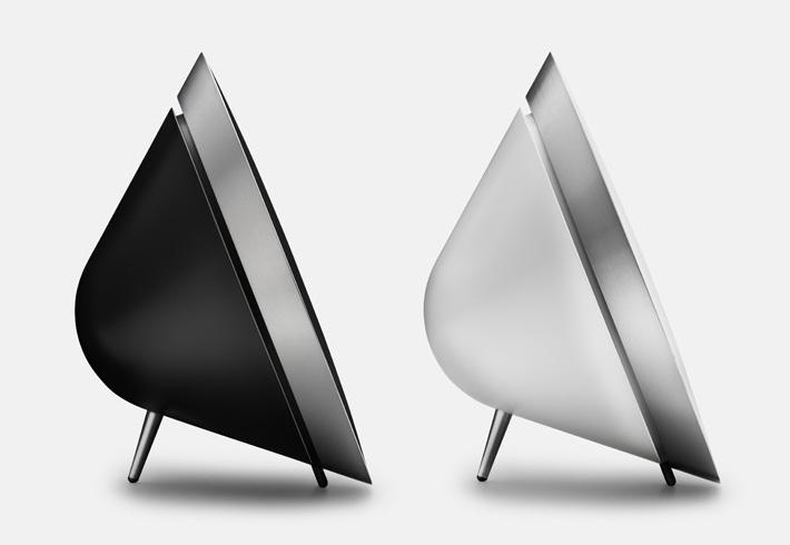 BeoPlay A8 – wireless Speaker in minimalistic design   headphones & speakers . Kopfhörer & Lautsprecher . casque/écouteur & enceintes   Design: Beoplay  