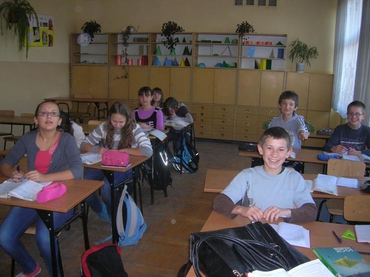 W domu KhanAcademy, a na lekcji wyprowadzanie wzorów na pole i obwód trójkąta. Tak wyglądały zajęcia przeprowadzone w gimnazjum w Jaworniku Polskim przez Justynę Pawełek, koniecznie przeczytajcie całość: http://szkolazklasa2012.ceo.nq.pl/dokument_widok?id=2168