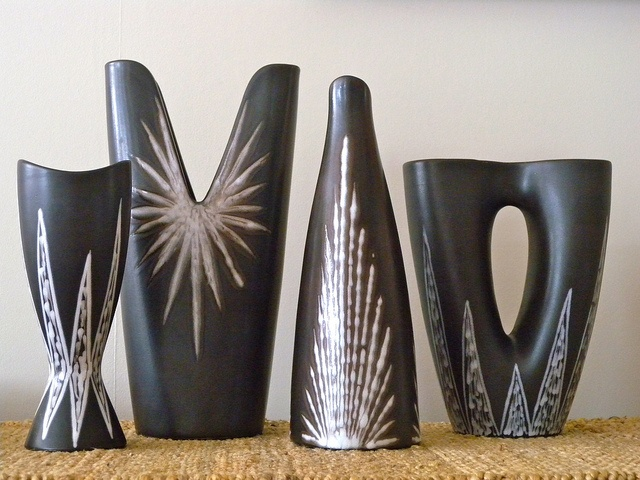 Danish pottery family photo: a selection from the BURGUNDIA range by Holm Sørensen for Soholm Pottery, c. 1950s