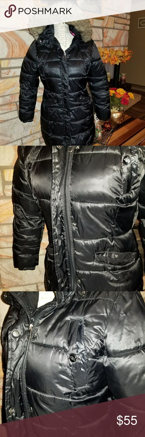 Steve Madden Womens puffer Coat Beautiful puffer coat. Black with faux fur trimmed hood and warm pink lining. Hood can be worn or easily removed using the zipper. Coat zips all the way up the front and can be buttoned as well to keep that pesky cold out. This coat is in like new condition. Steve Madden Jackets & Coats Puffers